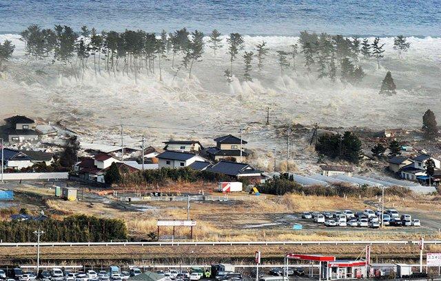 Zemetrasenie a Tsunami v Japonsku [foto + video]