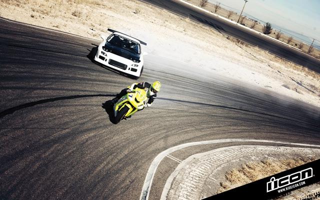drift_battle_bike_vs_car_04