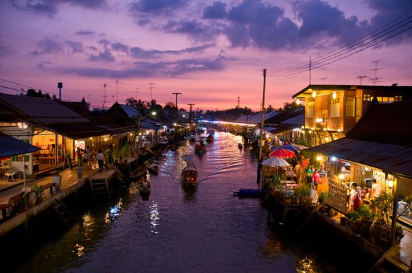 national-geographic-travel-photo-05-floating-market-thailand