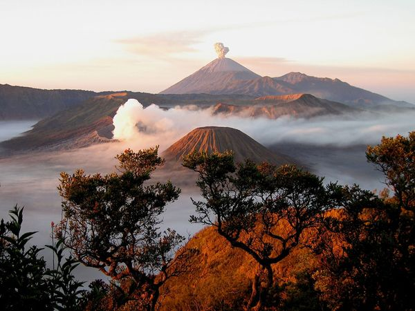 national-geographic-travel-photo-25-mount-semeru-east-java
