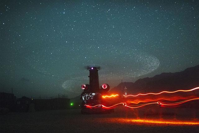 Nákladný vrtuľník pristáva v Afganistane
