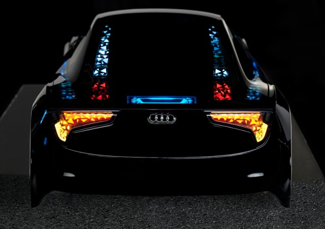 Audi-OLED-Lighting-back