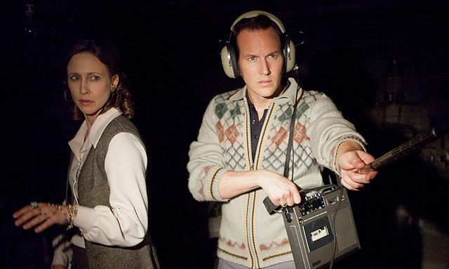 Ed a Lorraine sa pokúšajú zachytiť znaky démonov d pivnici