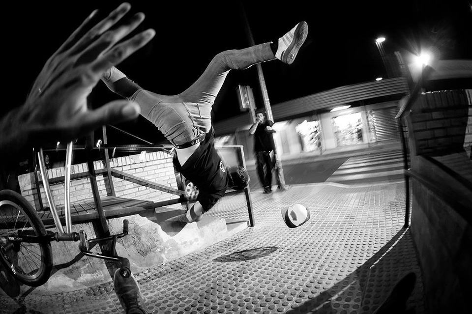 skate jump fail photo