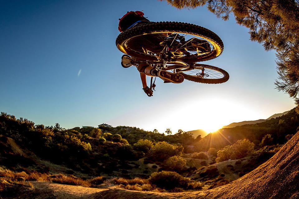 foto: Ale Di Lullo, jazdec: Wade Simmons, miesto: Alpine, CA, USA