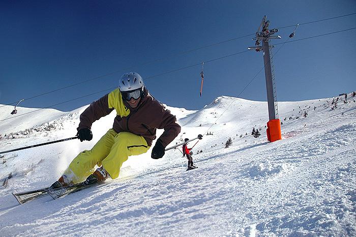 ako fotografovat zimne sporty lyzovanie vratna