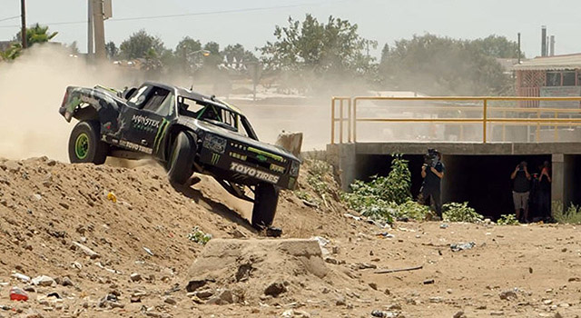 trophy-truck-Monster-Energy-in-Mexico-01
