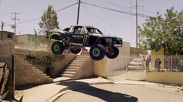 trophy-truck-Monster-Energy-in-Mexico-03